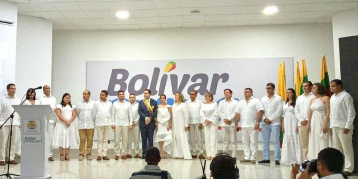 Gobernador Blel Scaff presentó su equipo de trabajo.