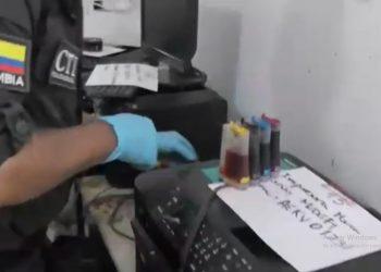 Capturan a 17 personas por falsificación de kits y textos escolares