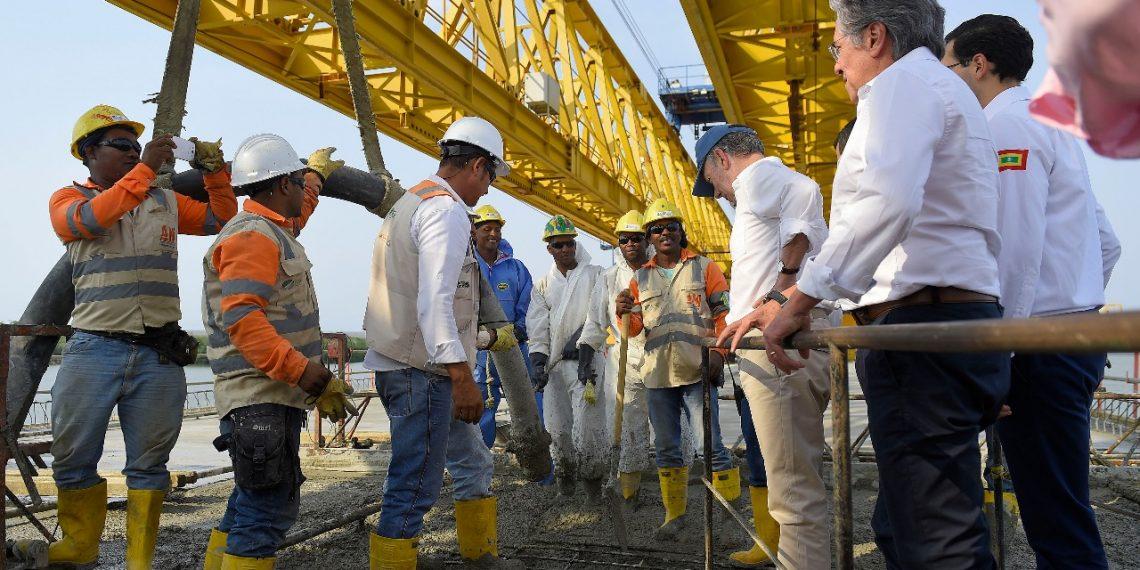 Conectado el viaducto más grande del país que une a Cartagena con Barranquilla.