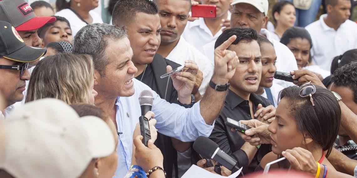«No me dejaré distraer por fallidos atentados morales» Betancourt.