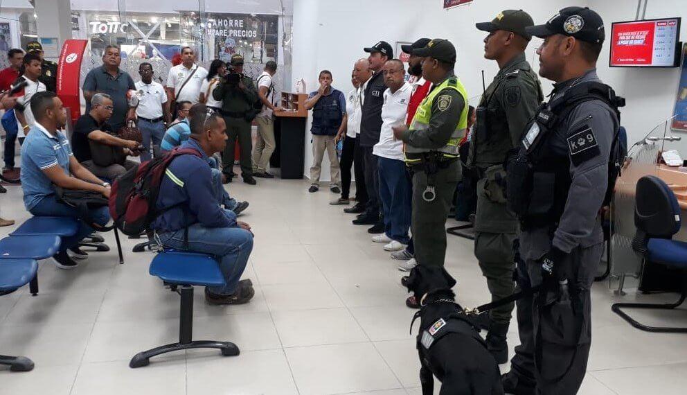 En marcha planes de seguridad en centros comerciales de Cartagena.