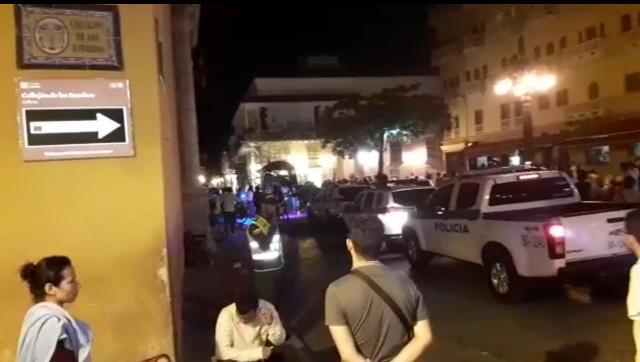 Operativo de espacio público en Cartagena termina en puños y patadas.