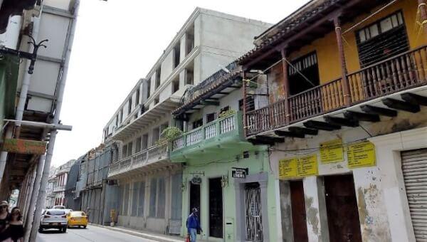 Otra construcción en Cartagena que estaría violando normas urbanísticas.