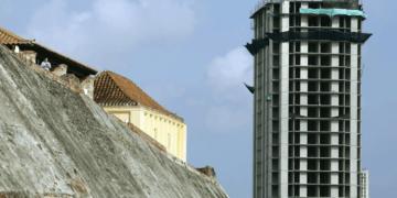 """""""El edificio Aquarela que se construye en Cartagena debe ser demolido""""."""