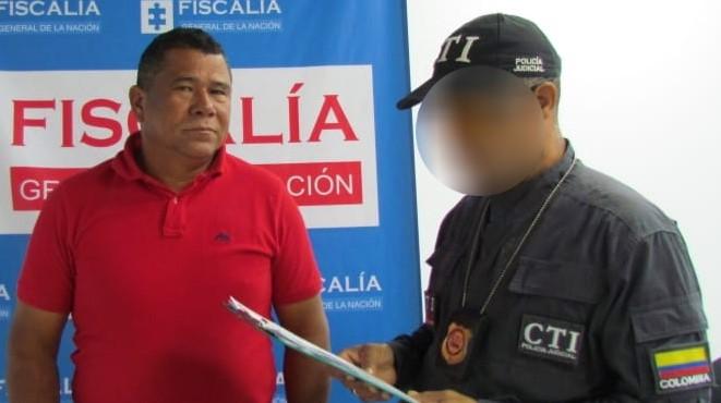 Ordenan suspensión del cargo y domiciliaria al alcalde de Santa Rosa de Lima.