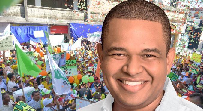 «No solo soy de pueblo, sino del pueblo»: Yahir Acuña.