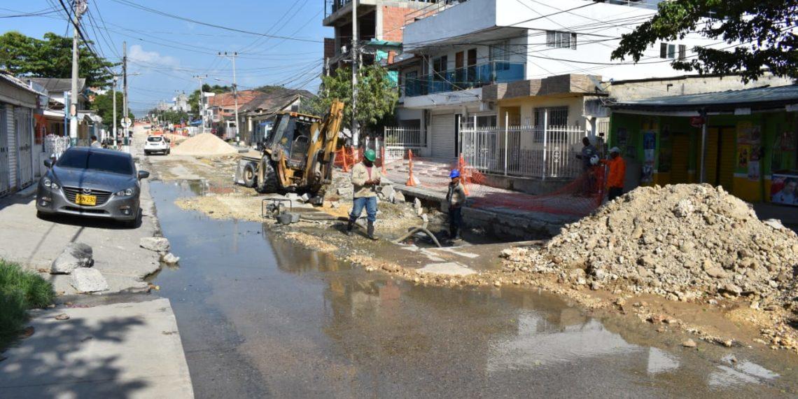 Obras de Acuacar y Transcaribe causan traumatismo en la movilidad por vías de Cartagena.