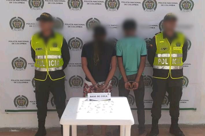 Caen dos hombres con 40 dosis de base de coca en Mompox, Bolívar.