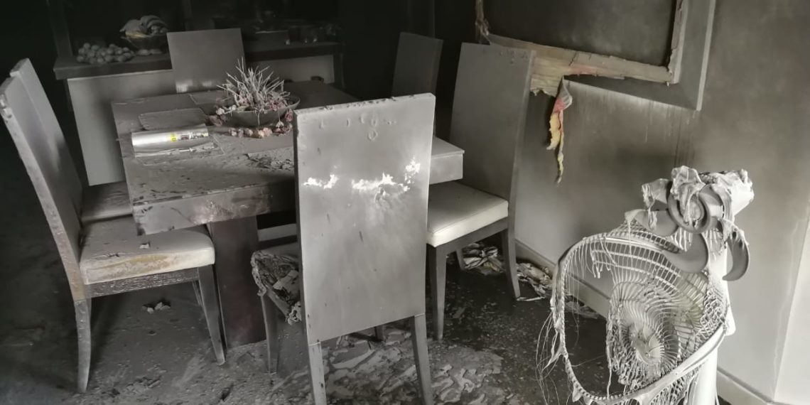 Incendio en zona turística de Cartagena destruyó parcialmente un apartamento.
