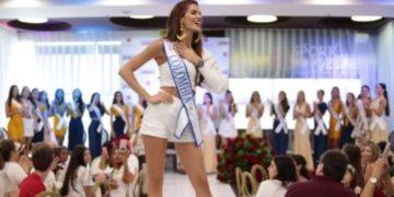 Las reinas desfilaron en el Centro Comercial Plaza Bocagrande.