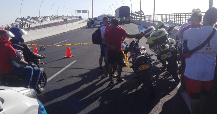 Trágico accidente sobre el Puente Pumarejo de Barranquilla.