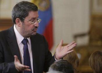 «Presidente Duque, no acepte la renuncia de Francisco Santos»