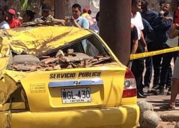 Colapsó un balcón en el Centro Histórico de Cartagena / Hay varios heridos.