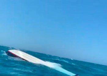 Se volcó una lancha con 12 pasajeros cerca de Cartagena.