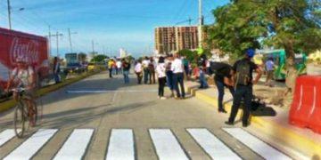 Muere mototaxista arrollado por una volqueta en Cartagena.