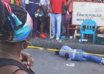 La Policía busca a los sicarios que asesinaron a un hombre en Bazurto.