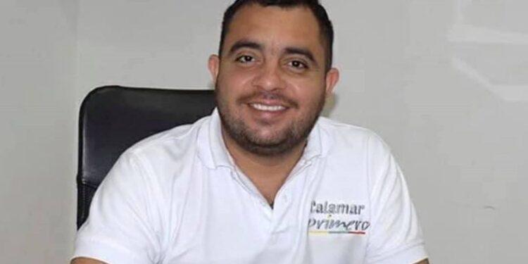 Alcalde de Calamar, Bolívar firma decreto para que «Jesús»los salve del Covid-19