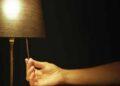 """Protesta: """"apaga la luz para encender la vida»"""