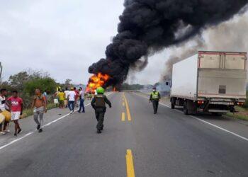 Explotó camión con combustible: Van siete muertos y más de 40 heridos