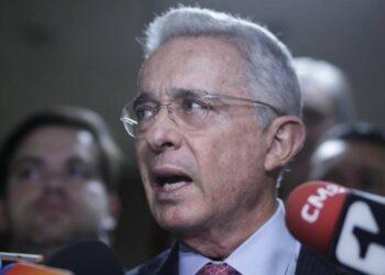 Uribe, en bandeja de plata.
