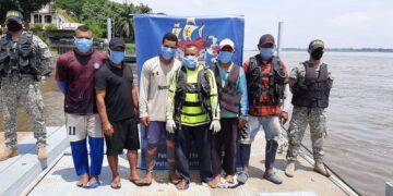Tras ser atracados en pleno rìo Magdalena seis pescadores quedaron a la deriva.