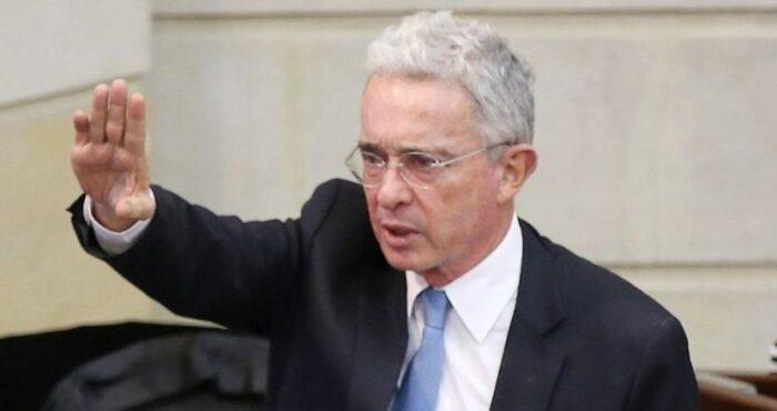 Las instituciones judiciales sobrevivirán a Uribe: es deber del gobierno respetarlas.